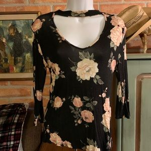 T shirt material floral top
